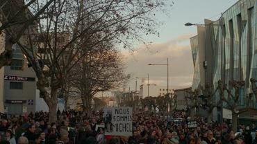 Marche Républicaine suite aux attentats de Paris (rue du Clos-Four au siège de La Montagne) - Crédit photo A.C.