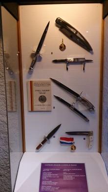 Couteaux d'Angel Navarro, coutelier thiernois - Crédits photos A.C