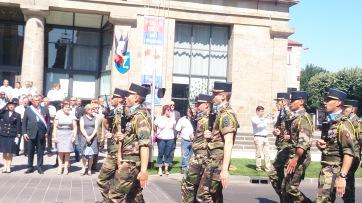 Défilé des militaires du 28ème Régiment de Transmissions et des sapeurs-pompiers lors de la cérémonie du 14 juillet à Issoire - Crédits photos A.C.